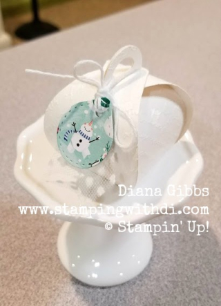 Let it Snow DSP Mini Curvy Keepsakes Box www.stampingwithdi.com