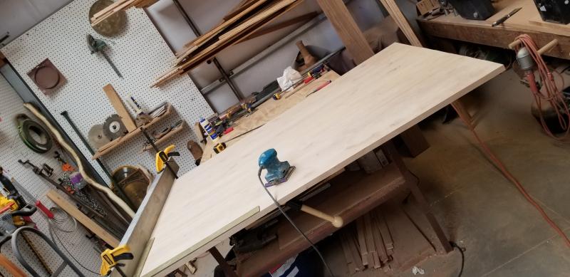 Table top sanding