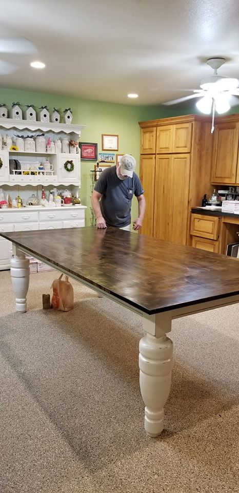 Attaching the table top