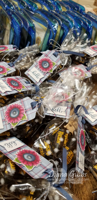 Onstage at home gifts https://www.stampingwithdi.com/2020/11/dis-shorts-how-to-color-a-wild-sunflower.html