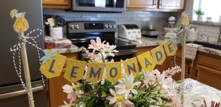 Lemonade banner closer stamping with di https://www.stampingwithdi.com/2021/05/make-a-cute-banneror-two.html